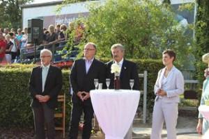 Karl Grziwa (Ratsvorsitzender),Frank Graffstedt (Bürgermeister Lehndorf), Dieter Große (Stadtsportbund), Frau Graffstedt